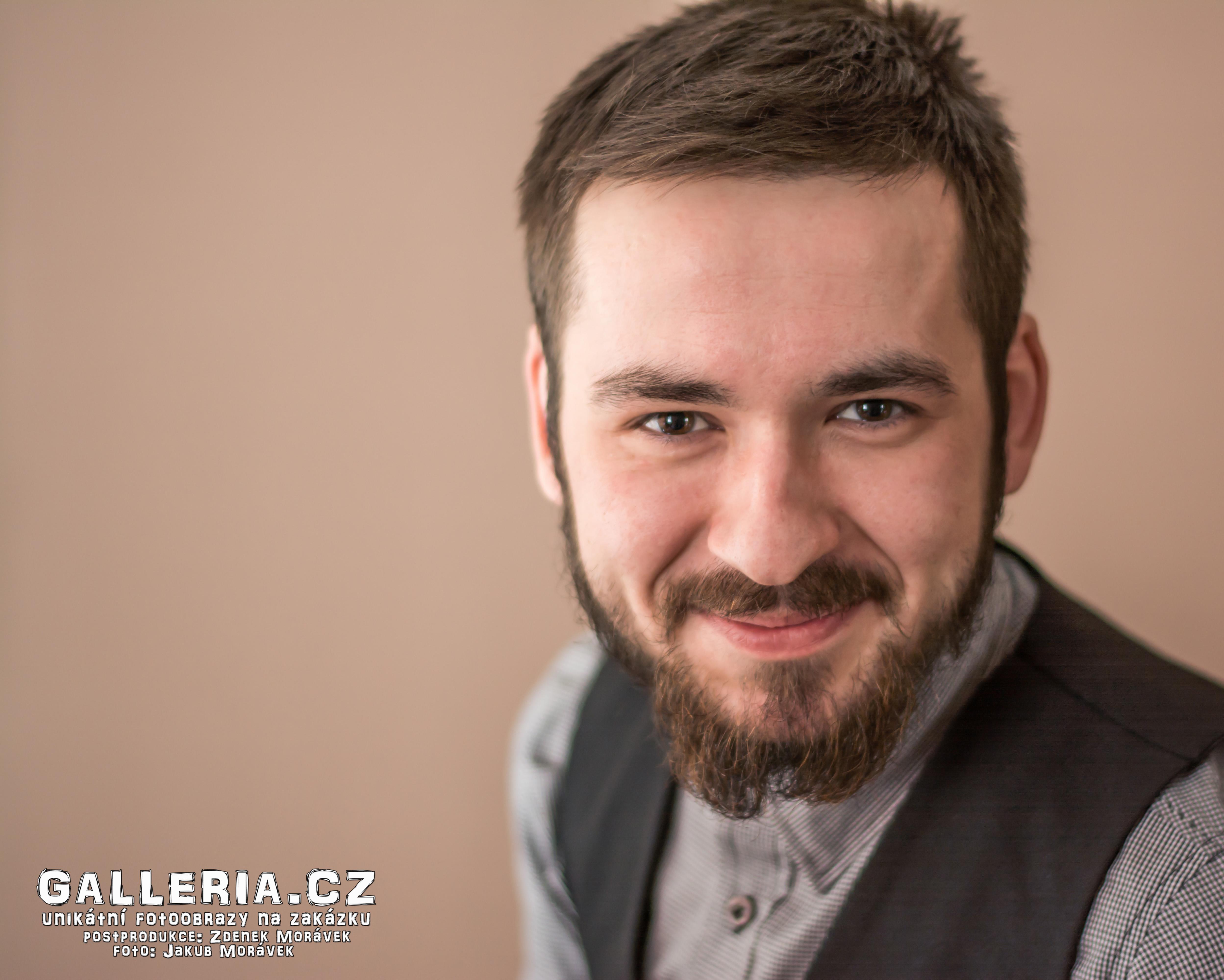 Portrétní fotograf Jakub Morávek grafik zdenek morávek fotoateliér pakoměřice portrét Kuby W.-20