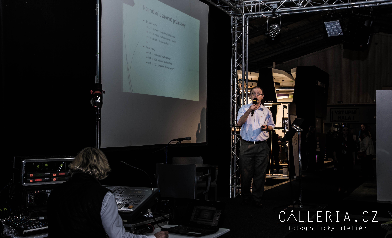 LOWQ Reportážní, umělecký fotograf praha Jakub Morávek Desigh Shaker 2017 Prague photograper Galleria.cz-68